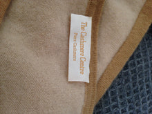 Load image into Gallery viewer, The Cashmere Centre Cashmere Cardigan Size 43 inch Chest (18)