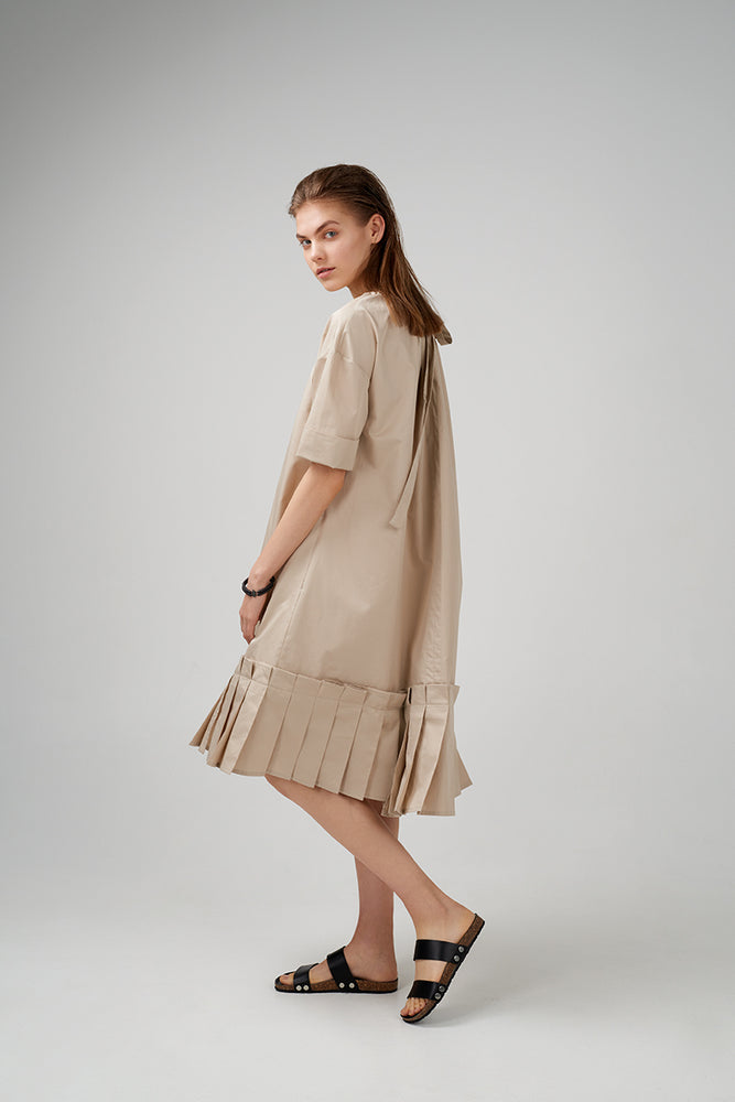 Short sleeve cotton poplin dress in light beige