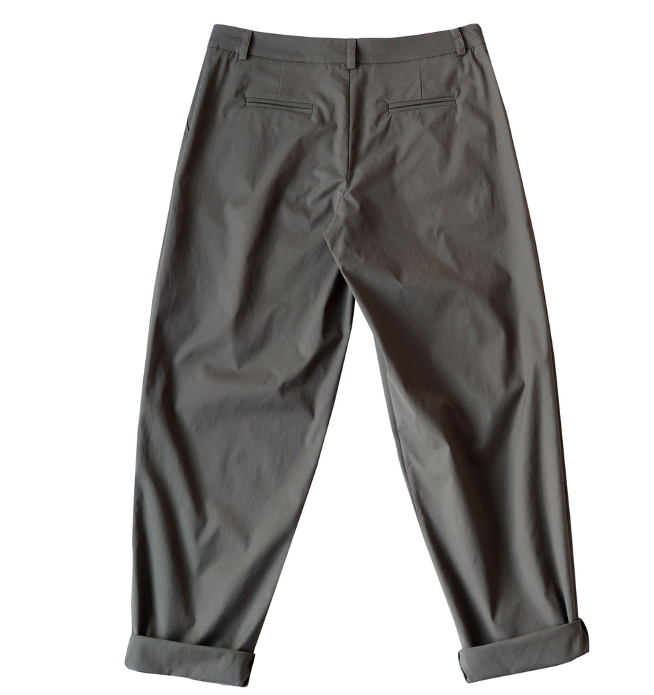 Relaxed fit trousers in khaki