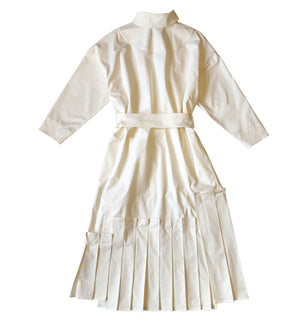Long sleeve cotton mixed fabric dress in white