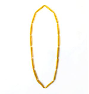 Long necklace in yellow
