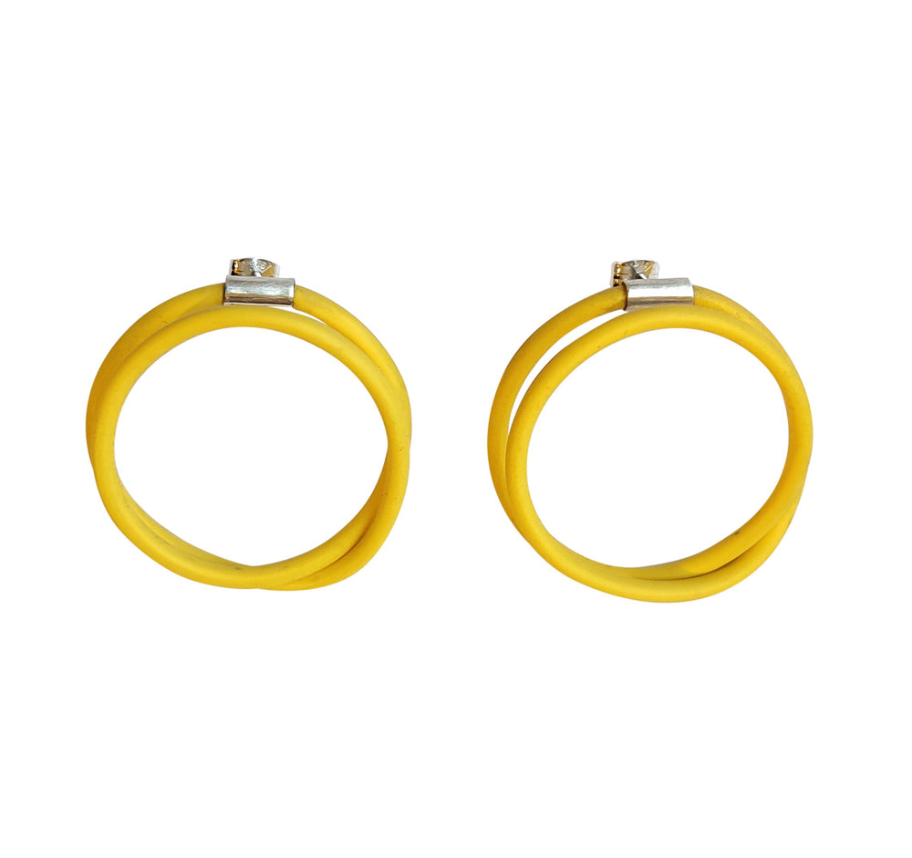 Earrings in yellow