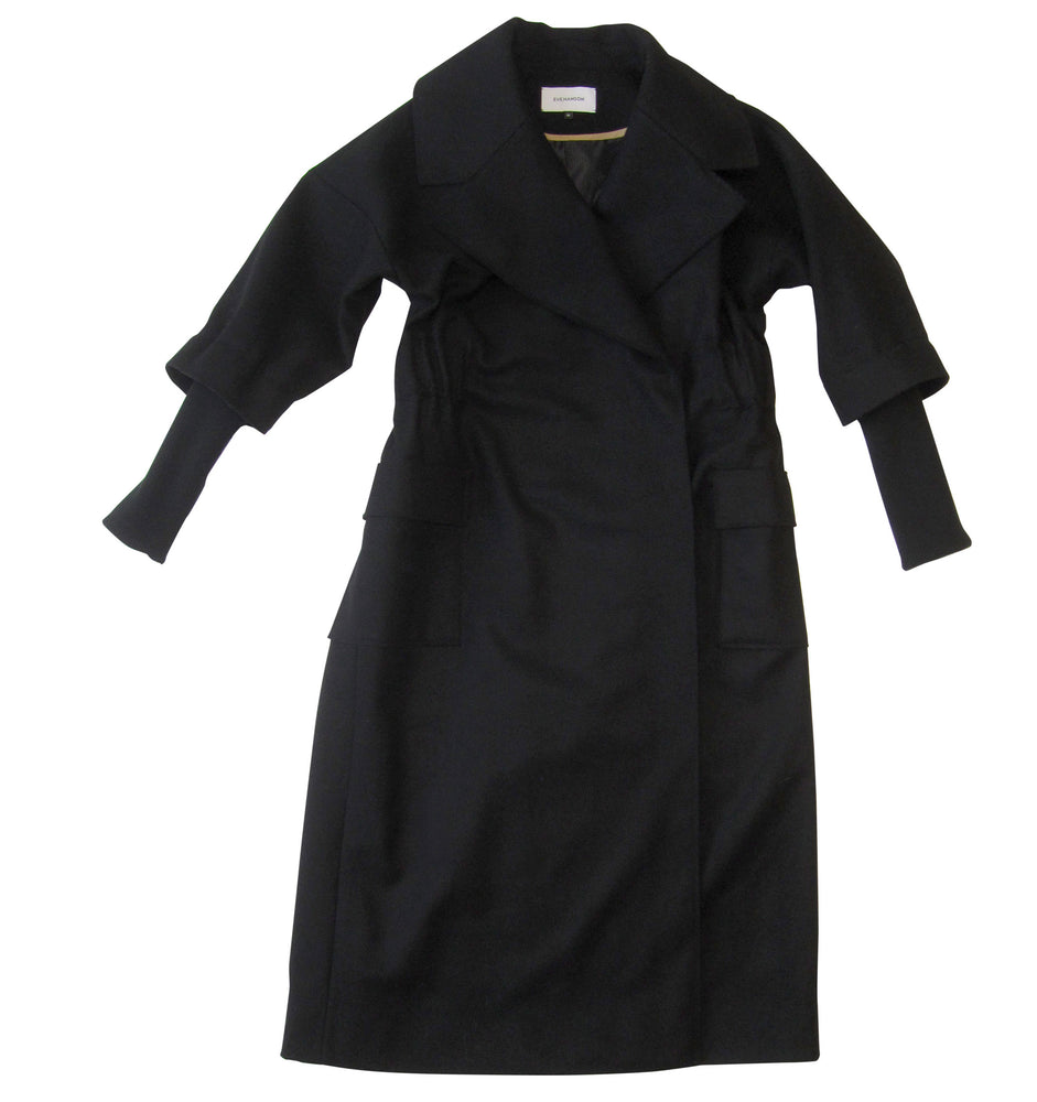 Long sleeve pressed wool coat in black