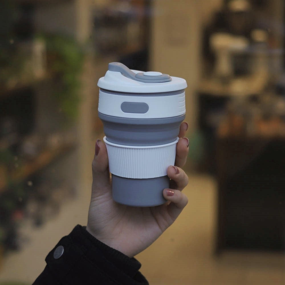 collapsible coffee cup lifestyle - grey