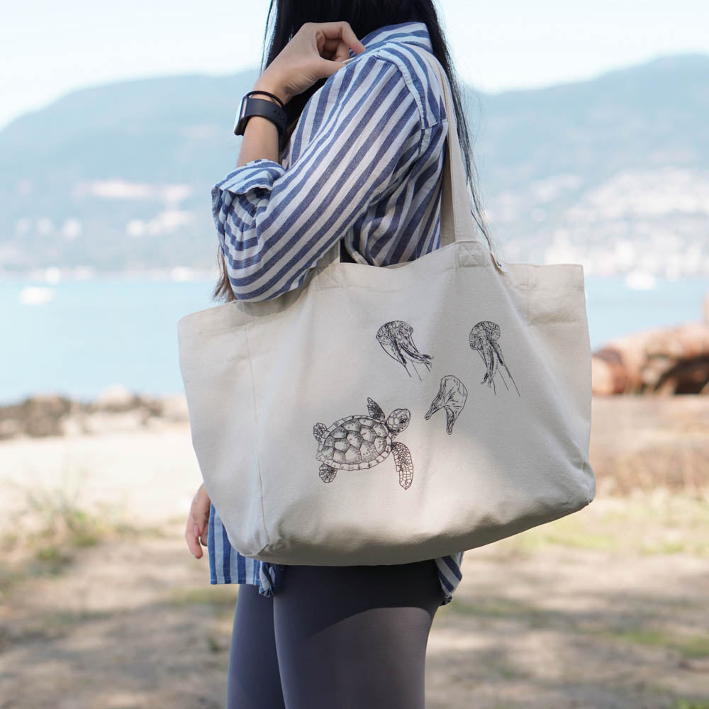 cotton tote bag with pockets - turtle with jellyfish side