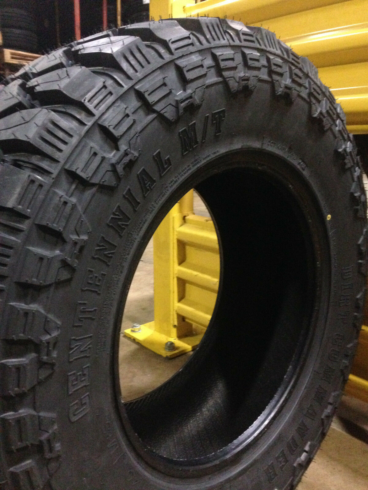 Jeep tire accessories set of 5 M/T Mud Tire MT 33 12.50 17 R17. Deliverd in 7 to 9 days.