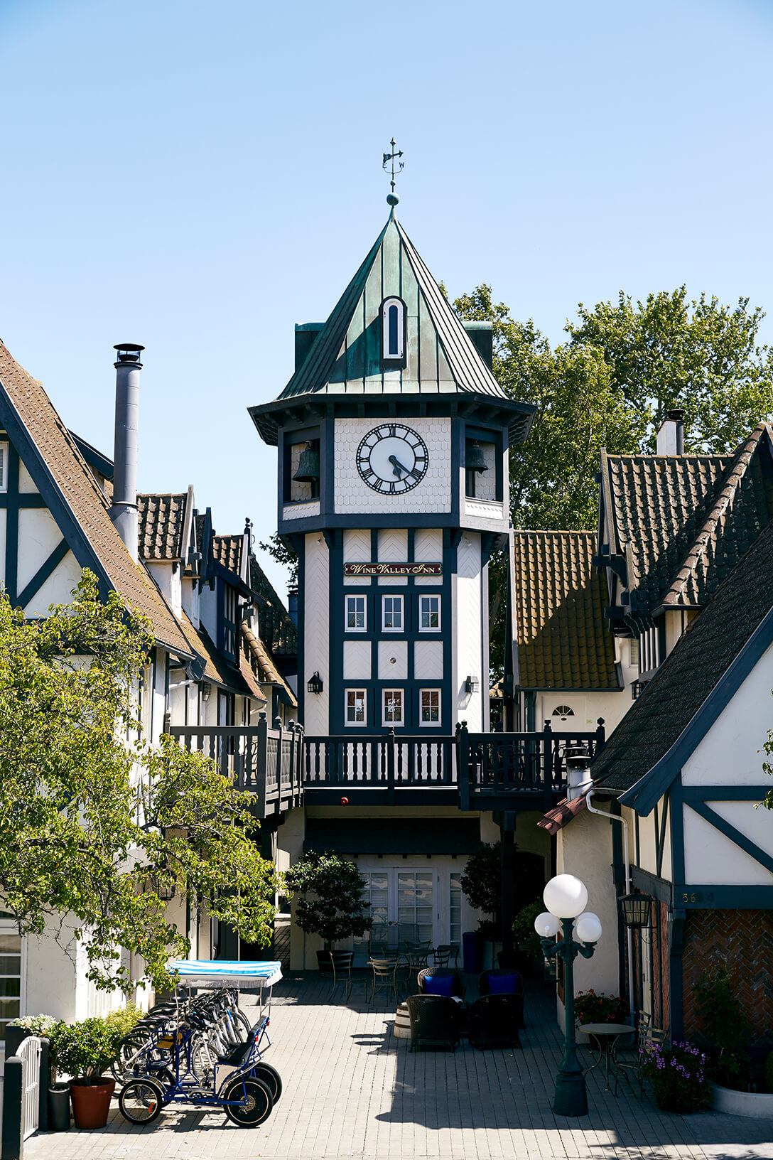 Wine Valley Inn tower clock townsquare