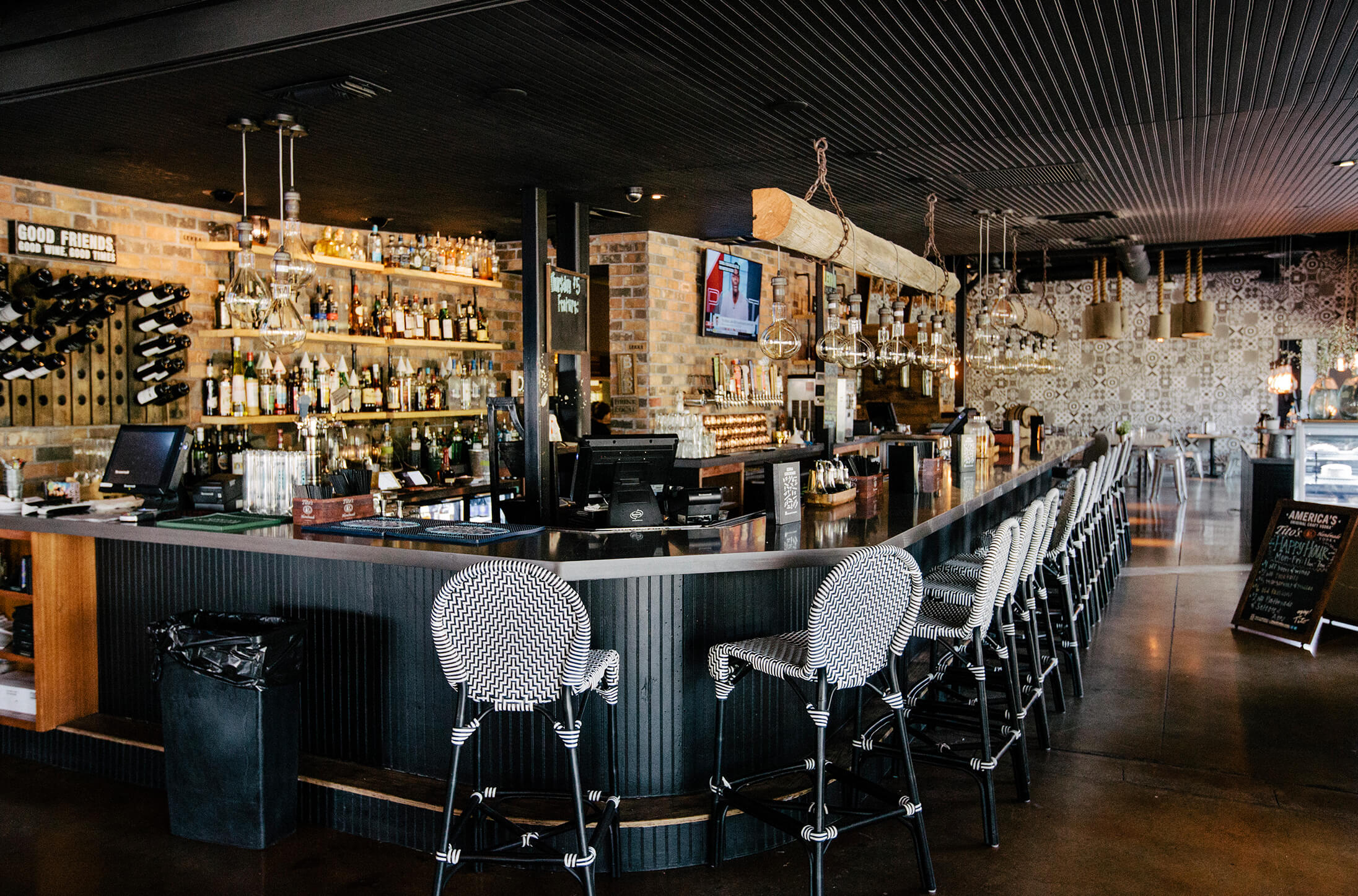Houndstooth full bar and barstools