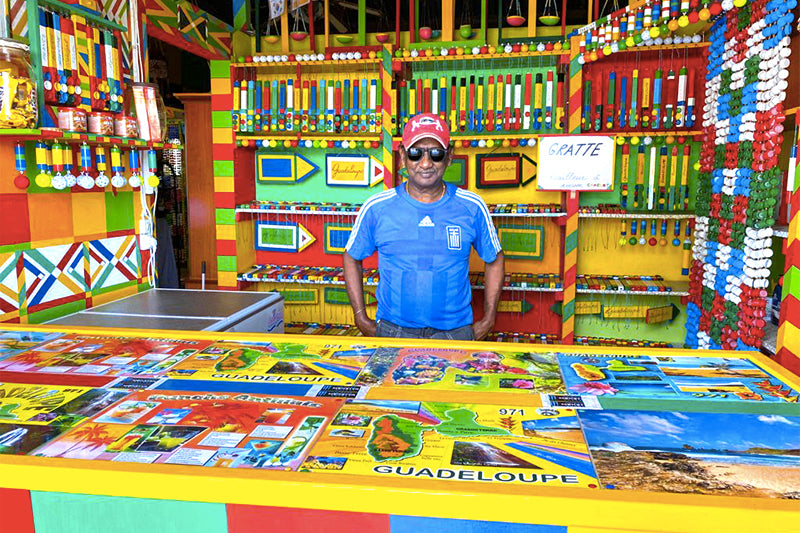 A local working at the kiosk