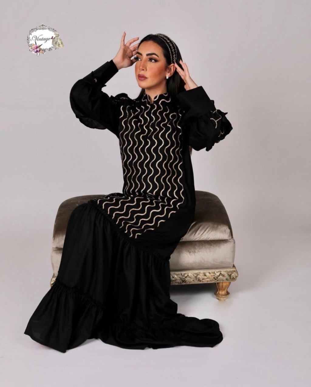 Vintage black with white print thobe By Vintage Fashion - BabMakkah Stores