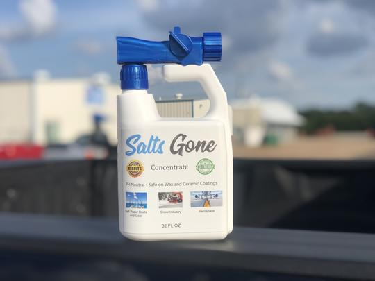 Salts Gone 32 Oz. Refillable Spray Bottle