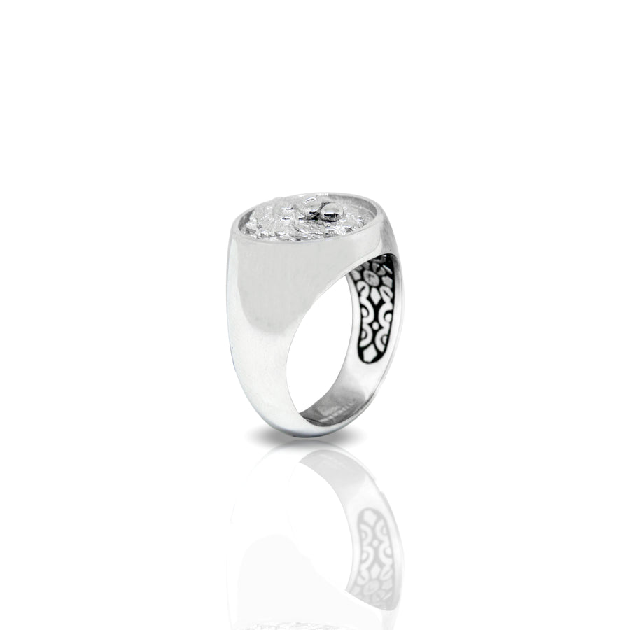 Inner Lion Signet Ring