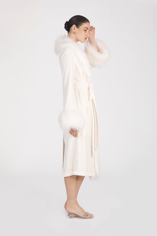 Marei1998. Maya's Diary. Carry On. Powderpuff Long Velvet Coat In White Color. Side View.