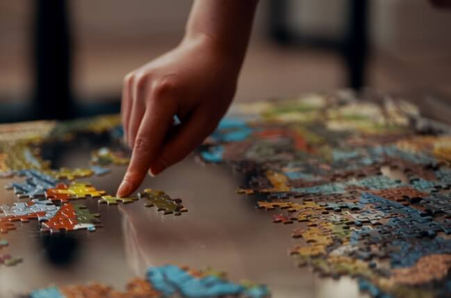 puzzle hand jigsaw puzzle