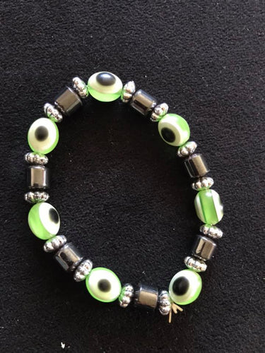 Evil eye bracelet-Green. One size fits all.