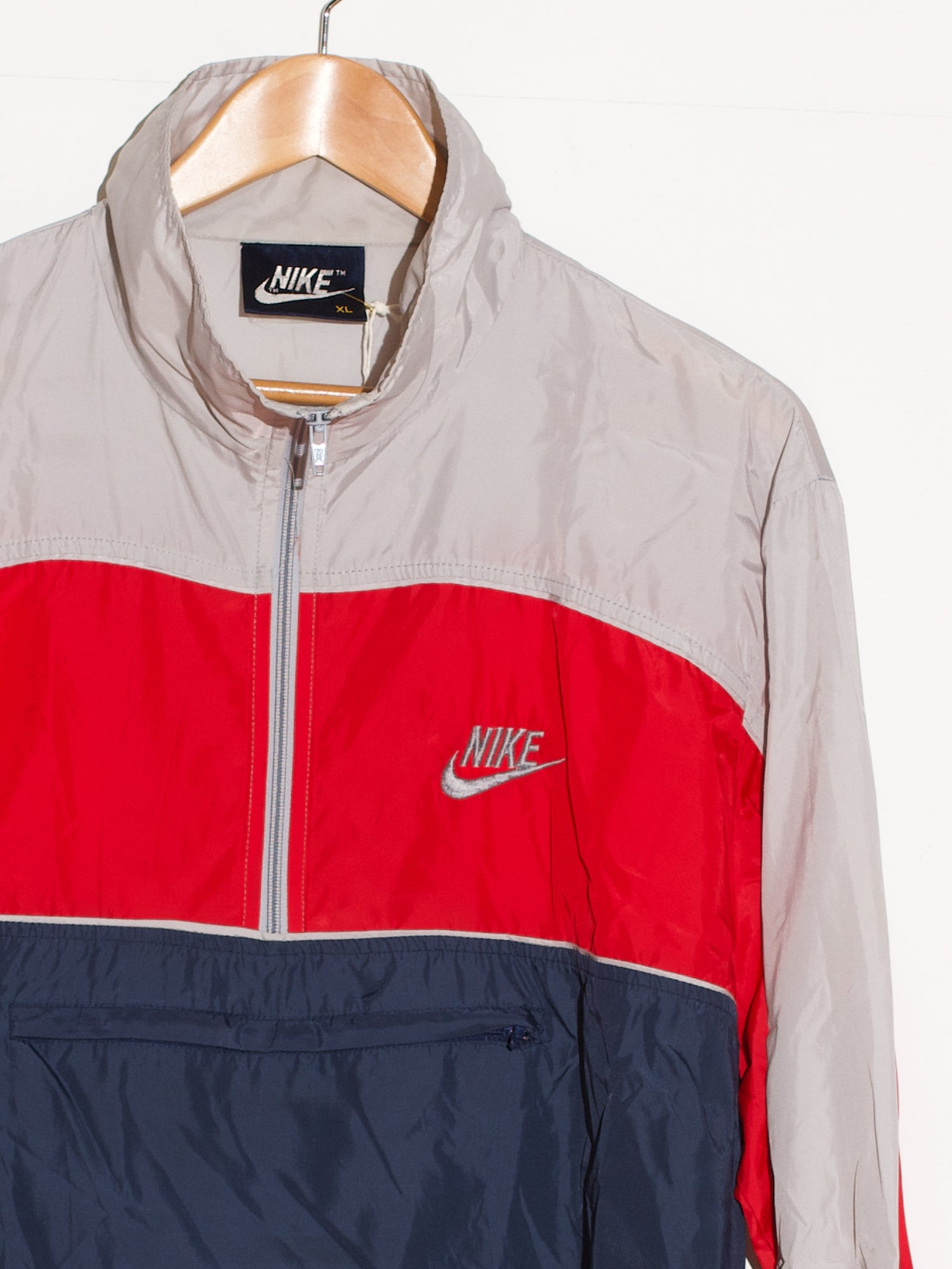 NIKE FLY WINDBREAKER