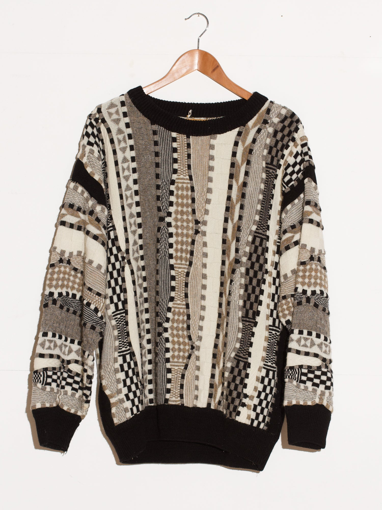 COOGI STYLE KNIT SWEATER
