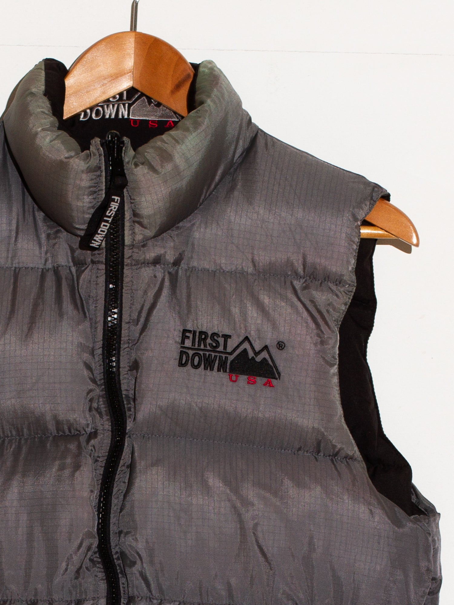 FIRST DOWN REVERSIBLE BODYWARMER