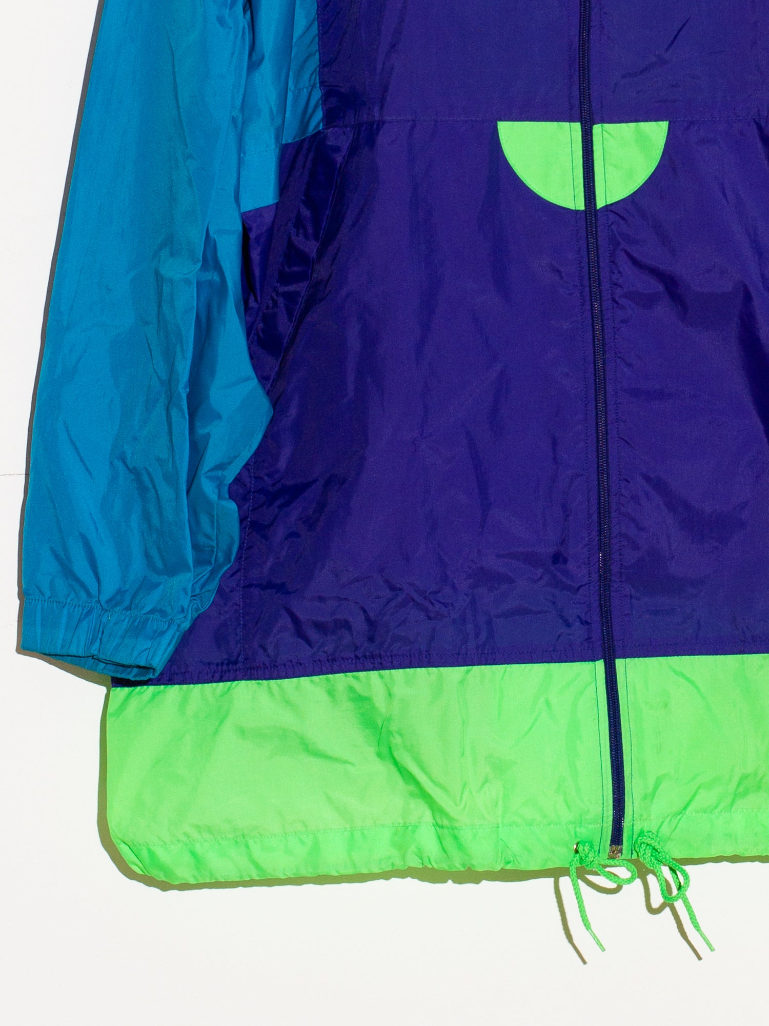 NIKE SPORTS WINDBREAKER