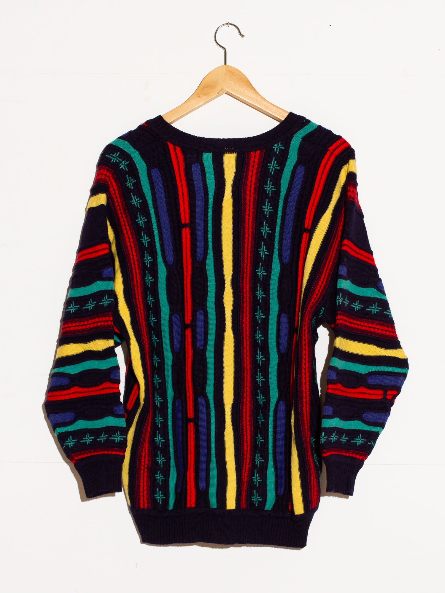 FANCY PATTERN KNIT SWEATER
