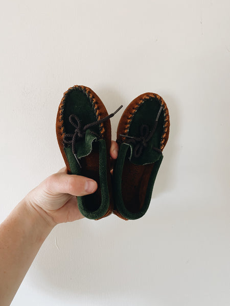 Loved Minnetonka Mock's- Size 9