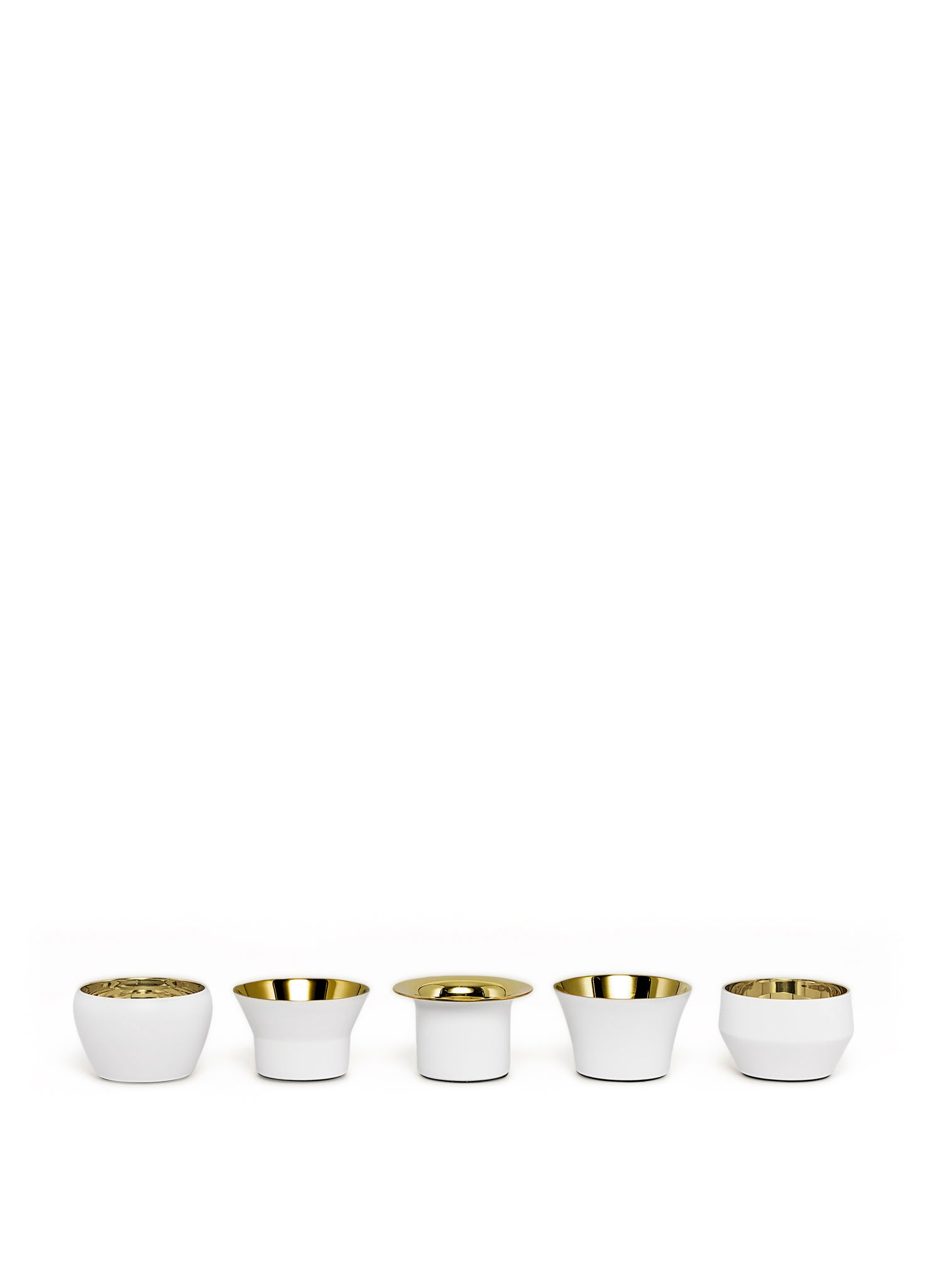 Skultuna Set of 5 Kin Candleholders in White