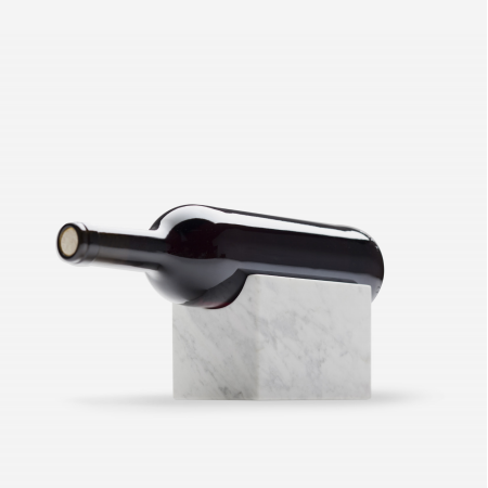 Aparentment Wine Holder