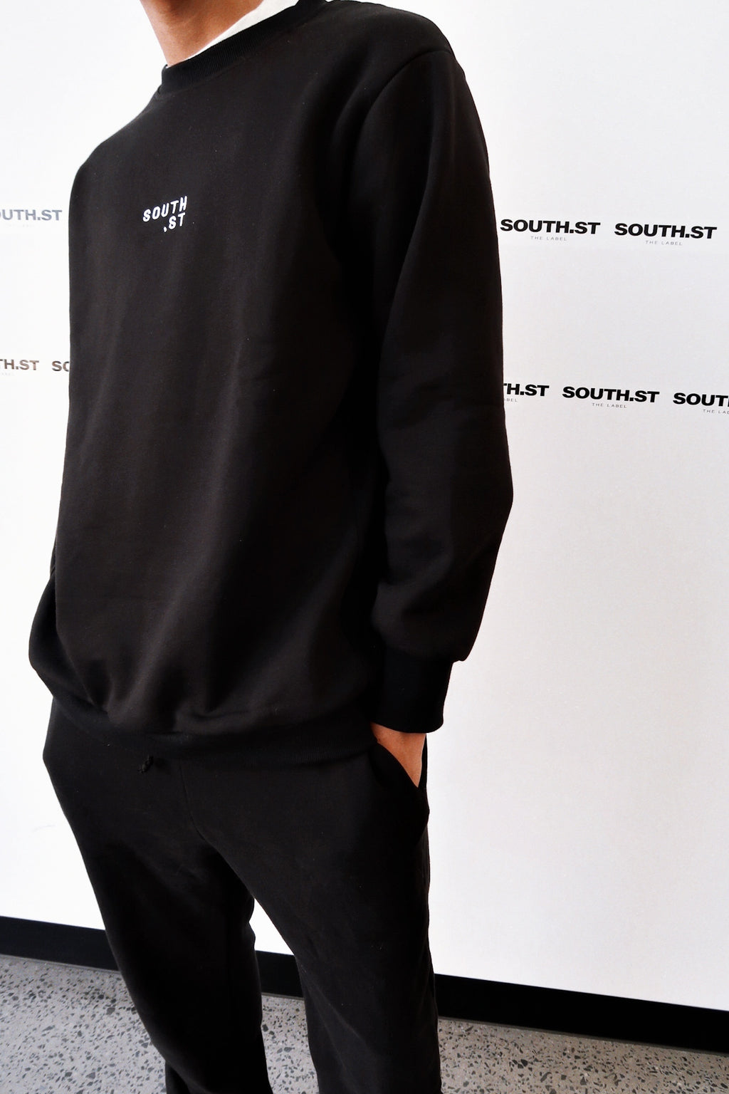 """PANEL"" SWEATSHIRT - Black"