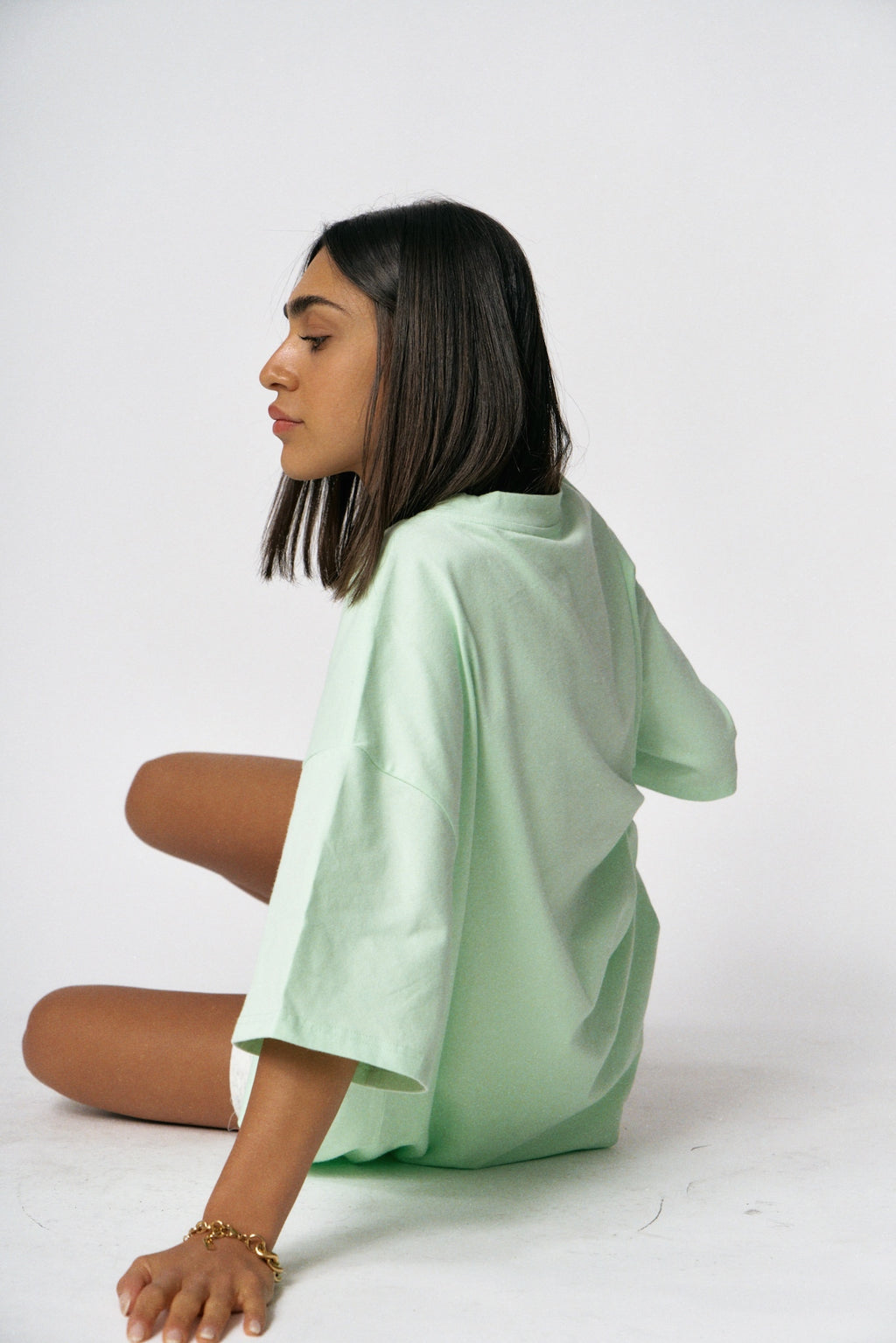 """COOL&KIND"" TEE - Pastel lime green"