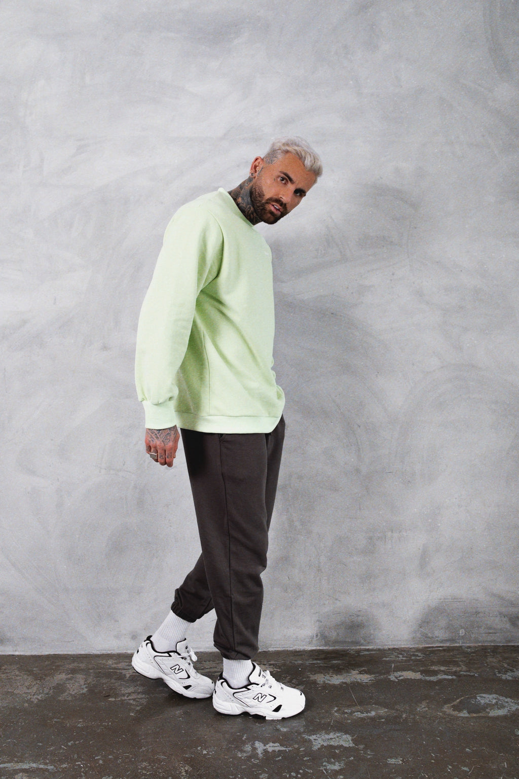 """STUDIO"" SWEATSHIRT - Pastel green"
