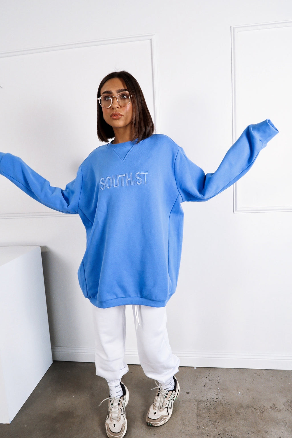 """MONDAY"" SWEATSHIRT - Blue"