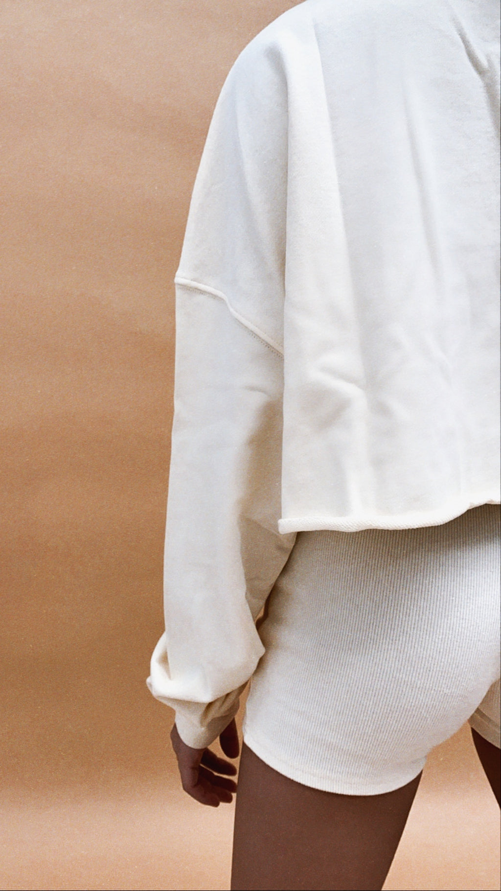 """CREAM"" CROPPED SWEATER"