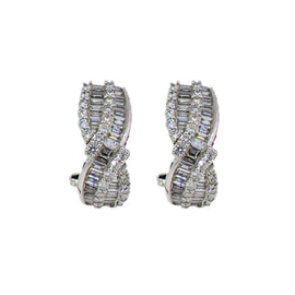 18KT W/G Baguette & Round Cut Diamond Earrings