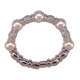 White Gold Pearls and Diamonds Bracelet