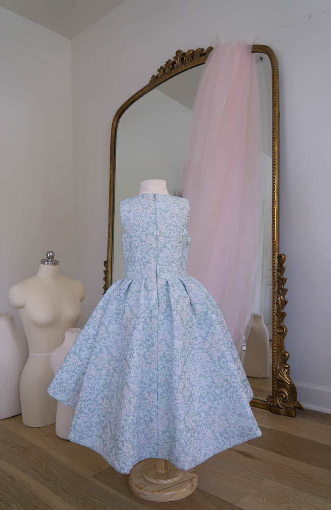 The Princess in blue - Flowers and Ruffles