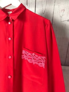 Chemise rouge broderie rose