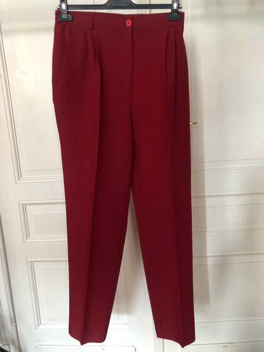 Pantalon à pinces rouge cerise