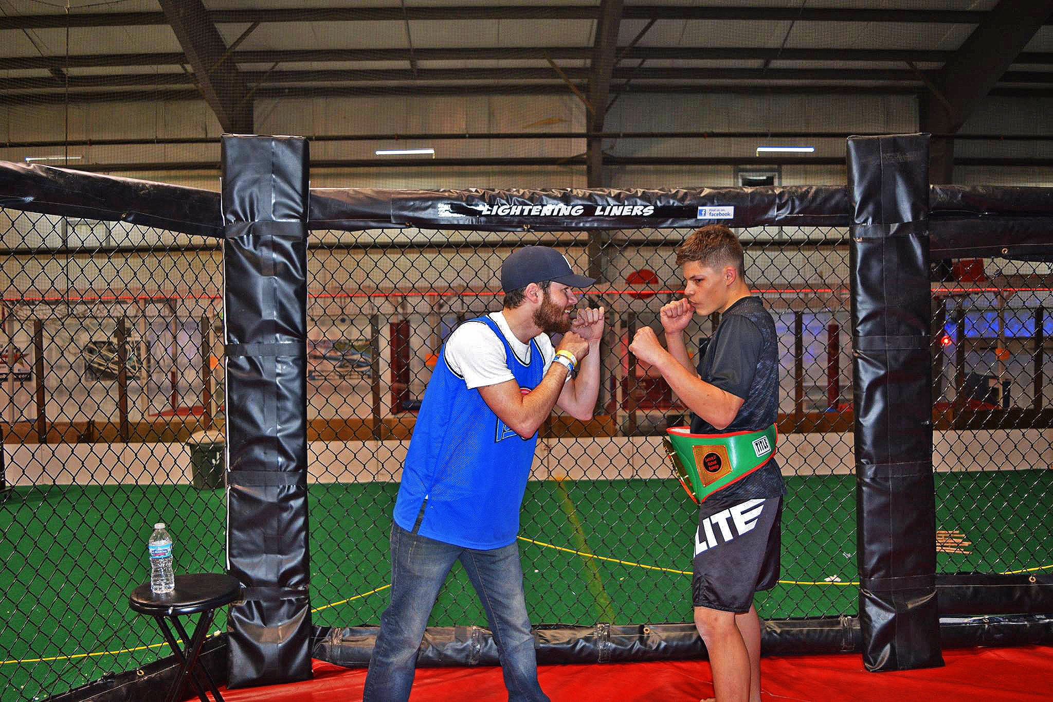 Elite-Sports-Team-Elite-MMA-Fighter-Austin-Daniel-Czenkus-image5