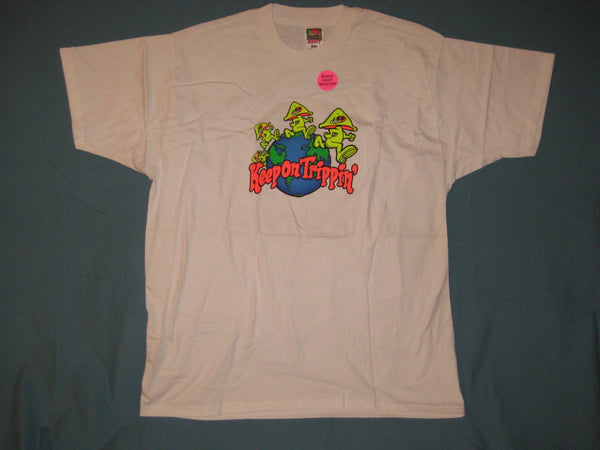 Keep On Trippin' [Blacklight Reactive] Tshirt Size XL - TshirtNow.net