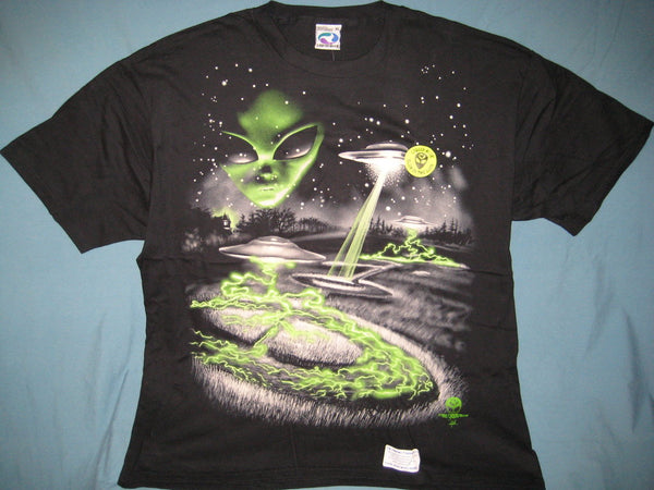 Alien Saucer Crop Circles Glows-in-the-dark Black Tshirt Size XL - TshirtNow.net - 1
