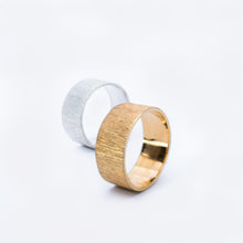 Load image into Gallery viewer, CONTRAST ring, goldplated