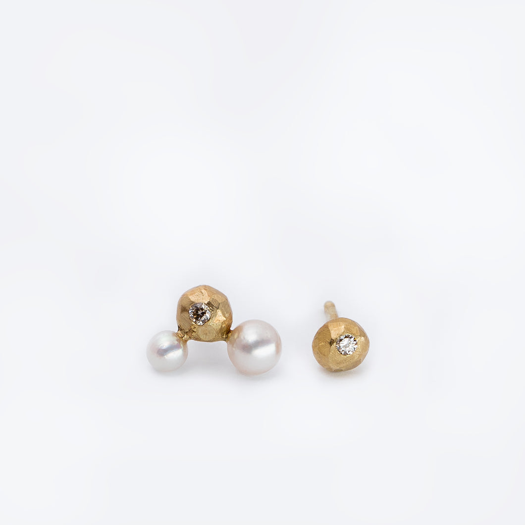 Orbit earstuds, 14K gold