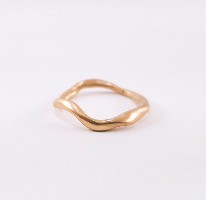 SWIRL small ring, goldplated.