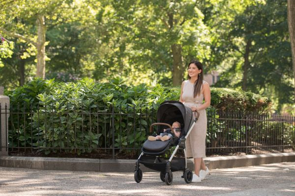 NUNA Triv Full Feature Lightweight Stroller Easy to Navigate | ANB Baby