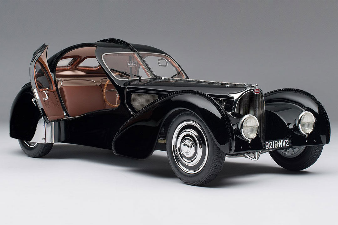 Bugatti 57sc Atlantic 1938 La Voiture Noir - 1:8 Scale Model Car
