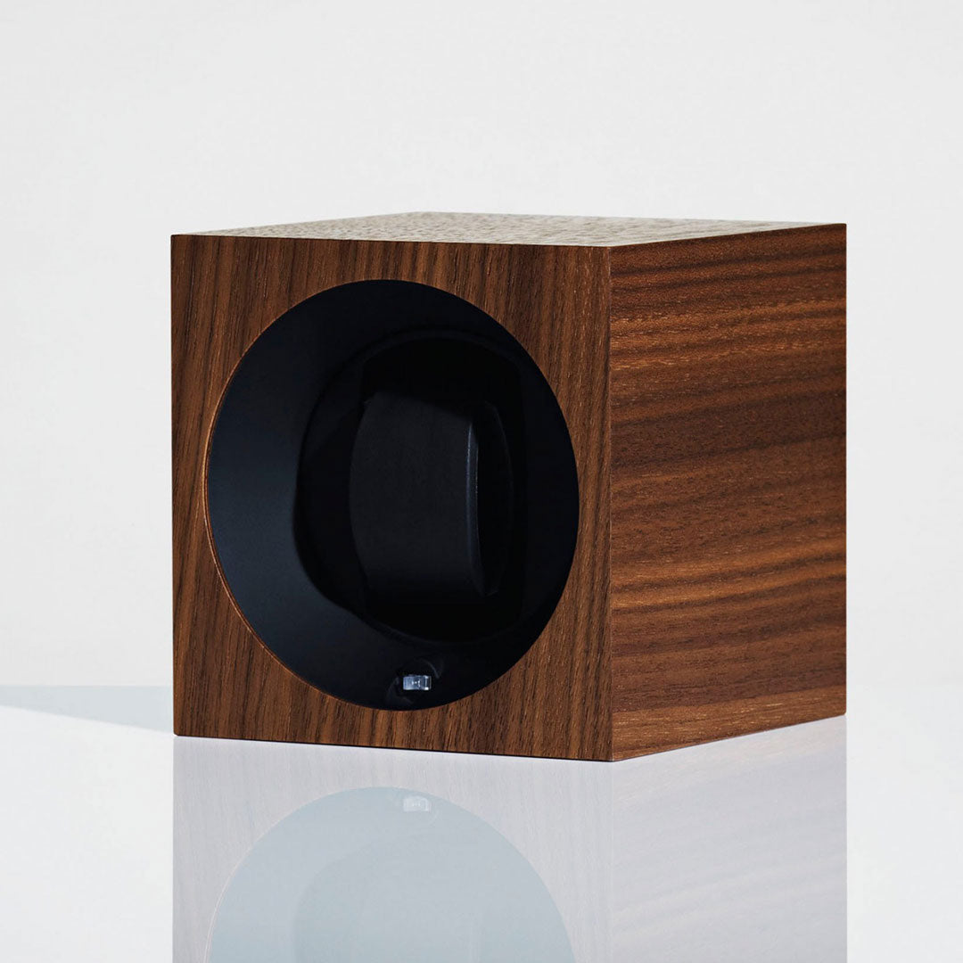 Linley Henley Watch Winder - Luxury Wooden Walnut Details