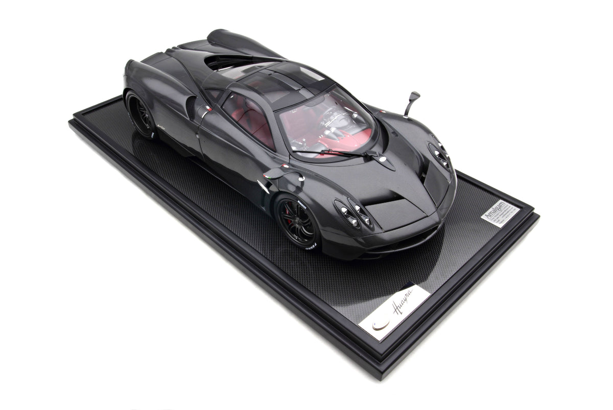 Pagani Huayra 2011 Carbon - 1:8 Scale Model Car