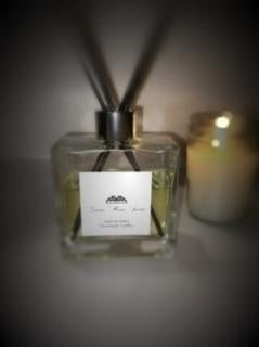 Amber Noir Reed Diffuser - Greene House Scents