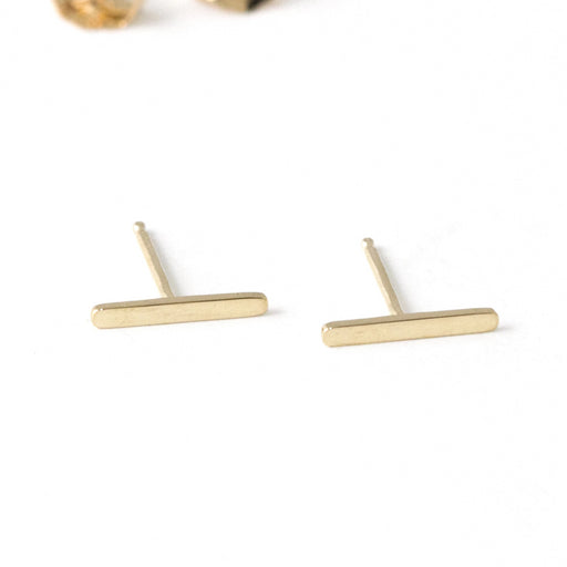 Line Stud Earrings – 14k Yellow Gold