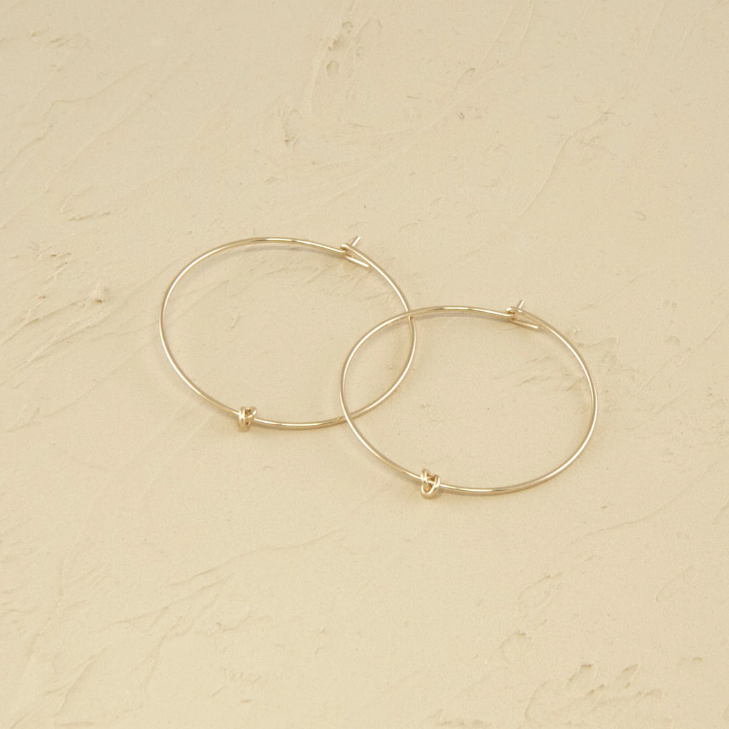 Hoops earrings in 14k gold medium